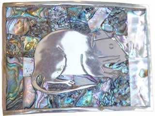 Mouse in nickle-silver buckle with mop inlay